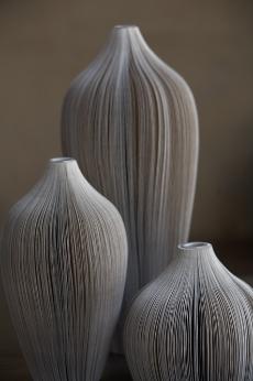 cortina-vases-in-sand